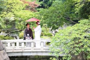 <center>滝が印象的な花畑記念庭園「桜花亭」</center>