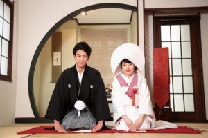 スタジオならではの和室で撮影する正座のポーズ