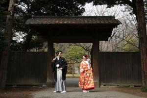 回遊式築山泉水の江戸期を代表する大名庭園『六義園』