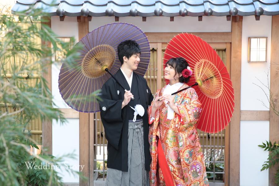 和傘をさした色打掛での前撮り。